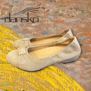 """Dansko """"Lina"""" Taupe Suede Leather Flats 9.5 40"""